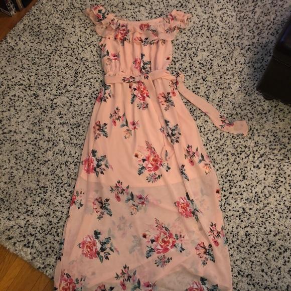 Gilli Dresses & Skirts - Gillis Maxi Dress